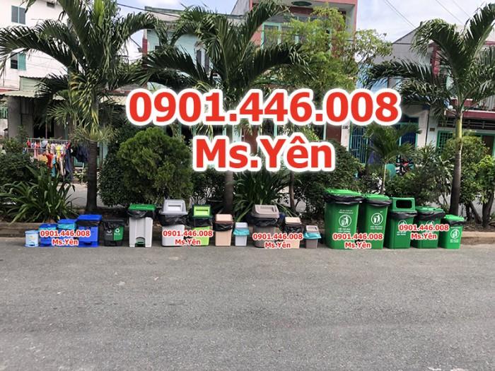 Thùng rác công cộng ngoài trời 120L, 240L nhựa HDPE giá rẻ nhất HCM4