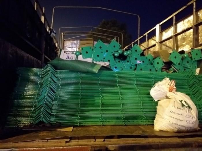 Hàng rào lưới thép hàn D5 a 50x200 mạ kẽm sơn tĩnh3