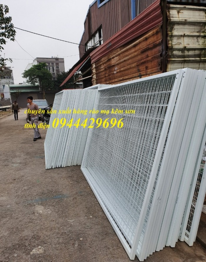 Hàng rào lưới thép hàn D5 a 50x200 mạ kẽm sơn tĩnh12
