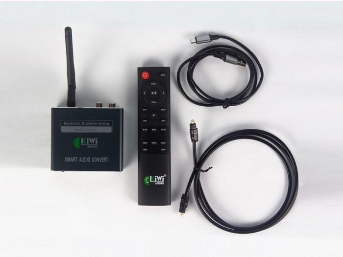 Bộ Chuyển quang Kiwi KA08 Trọn bộ gồm có: Bộ chuyển đổi Digital sang Analog Kiwi KA08 có anten, Cáp cấp nguồn USB, Dây tín hiệu Optical, dây Audio, hướng dẫn sử dụng tiếng Việt.2