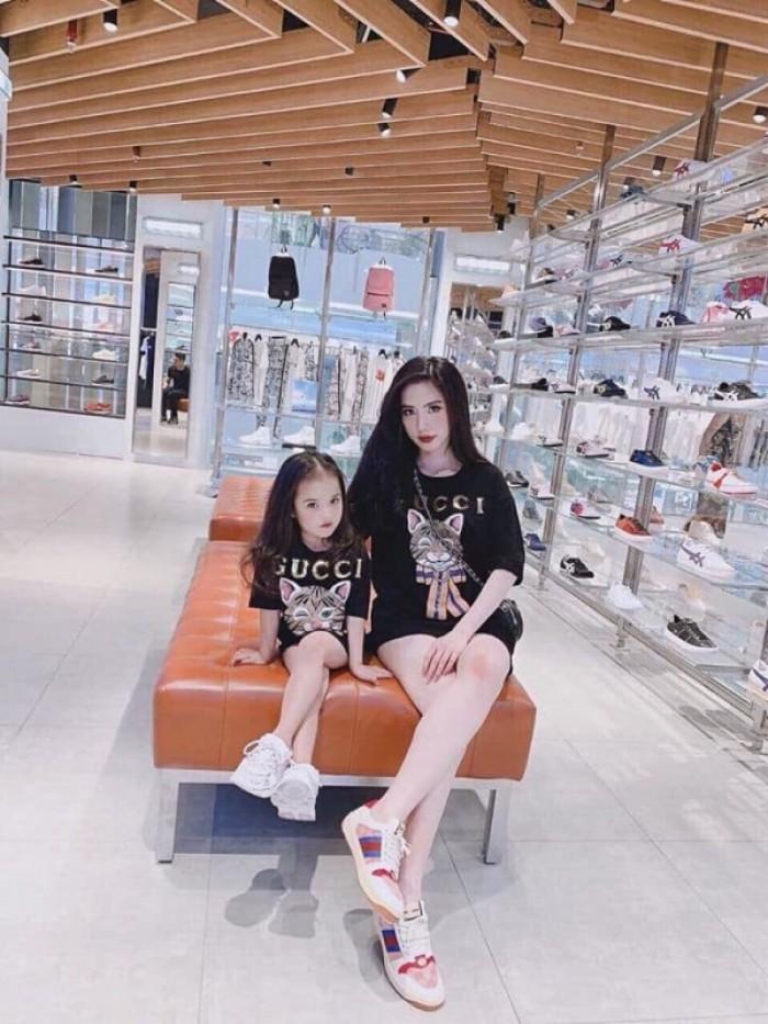 Áo cặp đôi cho mẹ bé in hình thời trang2