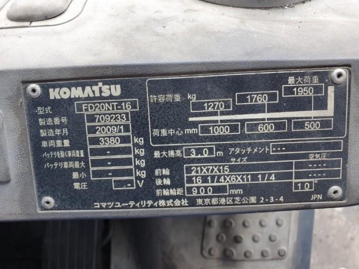 Tấm lack thể hiện năm SX và trọng tải , chiều cao nâng5