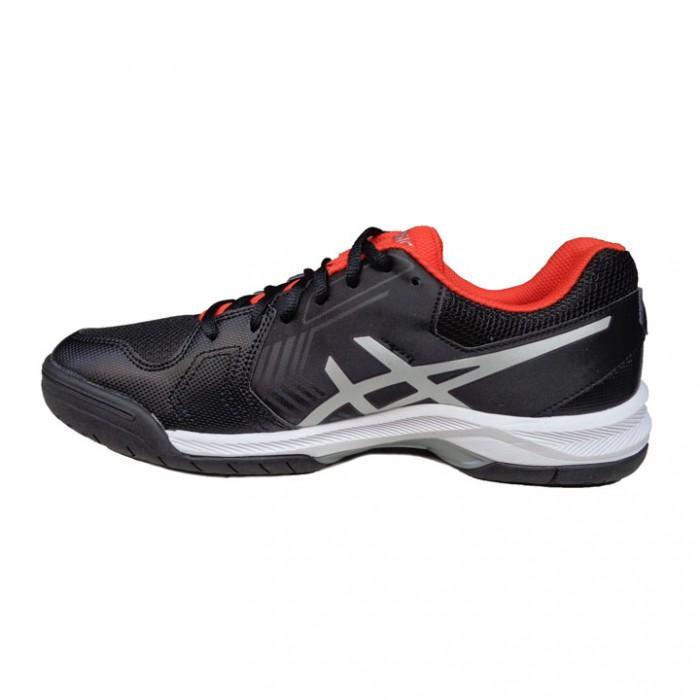 hân giày trên sử dụng chất liệu vải tổng hợp dạng lưới giúp giảm trọng lượng giày đáng kể, tăng cảm giác khô ráo, thoải mái và thông thoáng cho bàn chân3