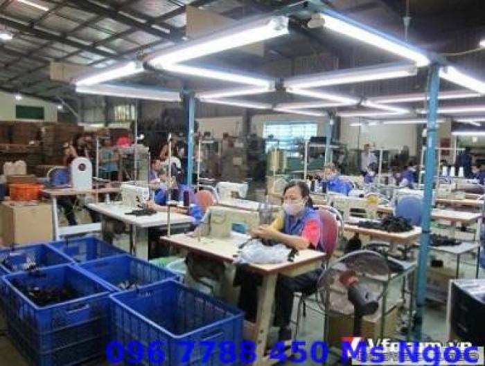 Cung cấp sóng nhựa đựng hàng dệt may công nghiệp.6