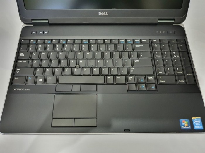 DELL LATITUDE E6540 CORE I7 4800QM RAM 8G SSD 256G VGA 2G DDR5 IPS FHD 15.6 INCH1