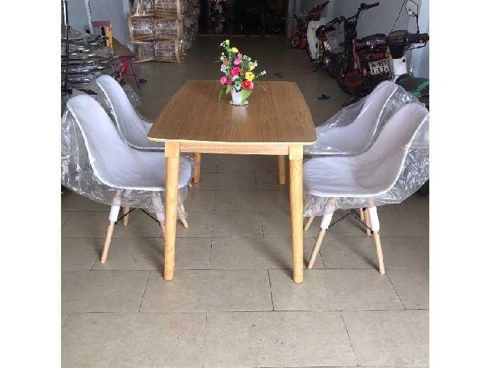 Bộ bàn ăn ghế nhựa bàn gỗ thanh lý0