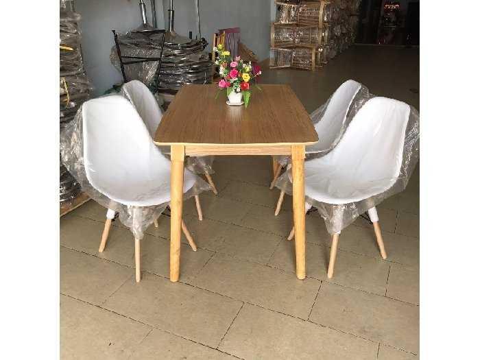 Bộ bàn ăn ghế nhựa bàn gỗ thanh lý1