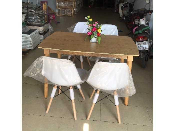 Bộ bàn ăn ghế nhựa bàn gỗ thanh lý2