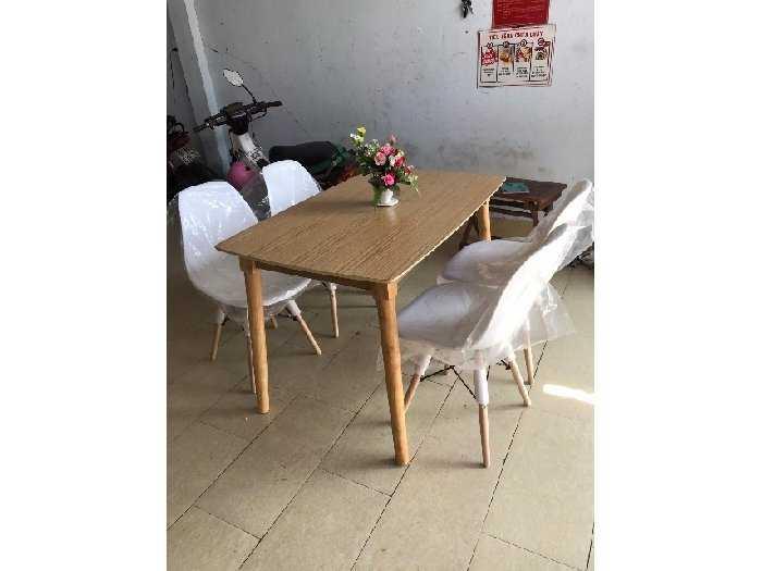 Bộ bàn ăn ghế nhựa bàn gỗ thanh lý3