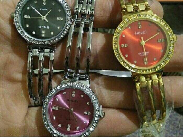 Đồng hồ Halei0