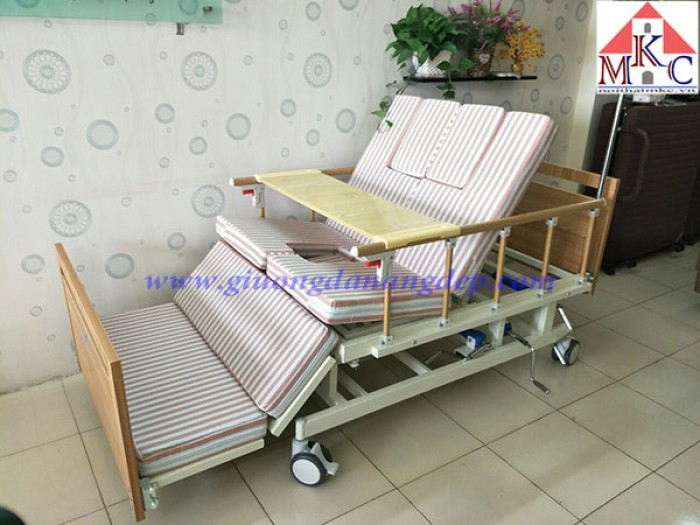 Giường bệnh đa năng MKC-Medical 4 tay quay 12 chức năng, ốp gỗ6