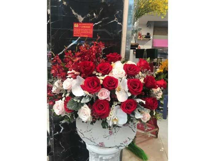 hoa mùng 8 tháng 30