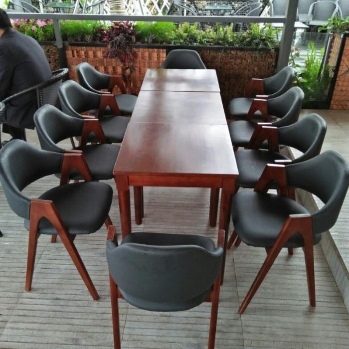 Ghế cafe khung gỗ bọc nệm giá rẻ tại xưỡng1