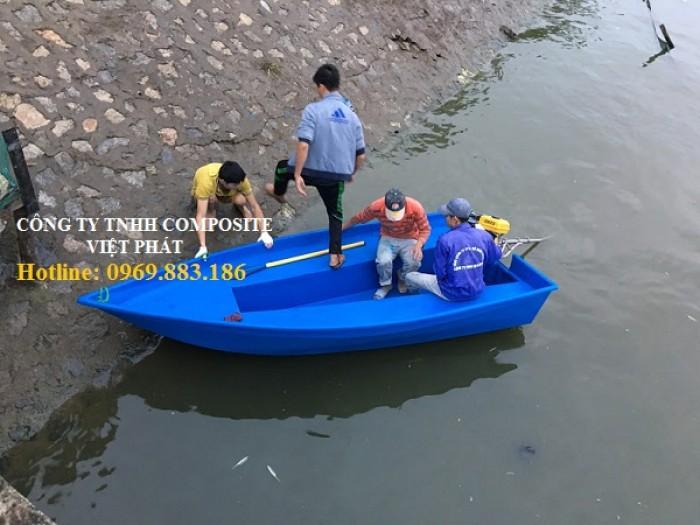 Thuyền composite : phòng chống bão lụt1