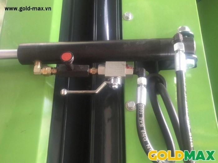 Máy cuốn rơm GoldMax nhập khẩu chất lượng giá tốt7