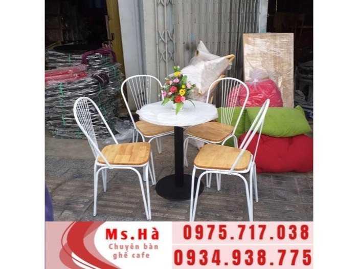 bàn ghế sắt gỗ cafe giá rẻ0