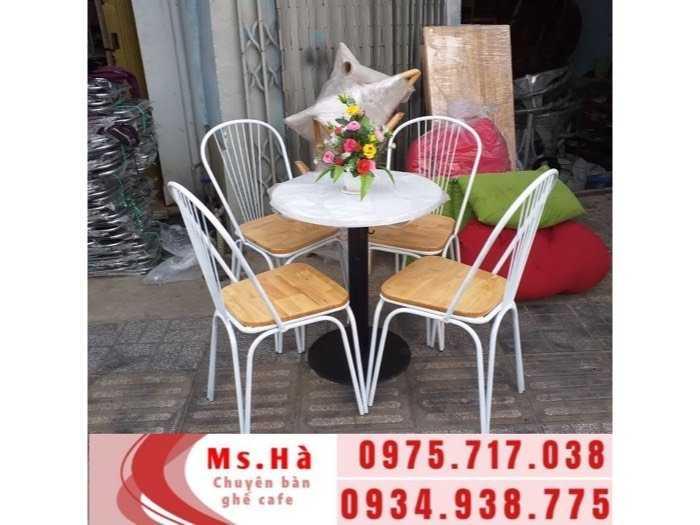 bàn ghế sắt gỗ cafe giá rẻ1