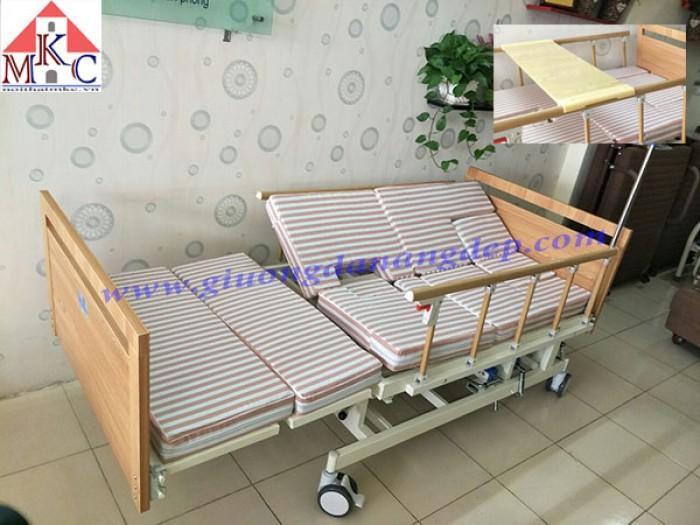 Giường bệnh đa năng MKC-Medical ốp gỗ 4 tay quay 12 chức năng1