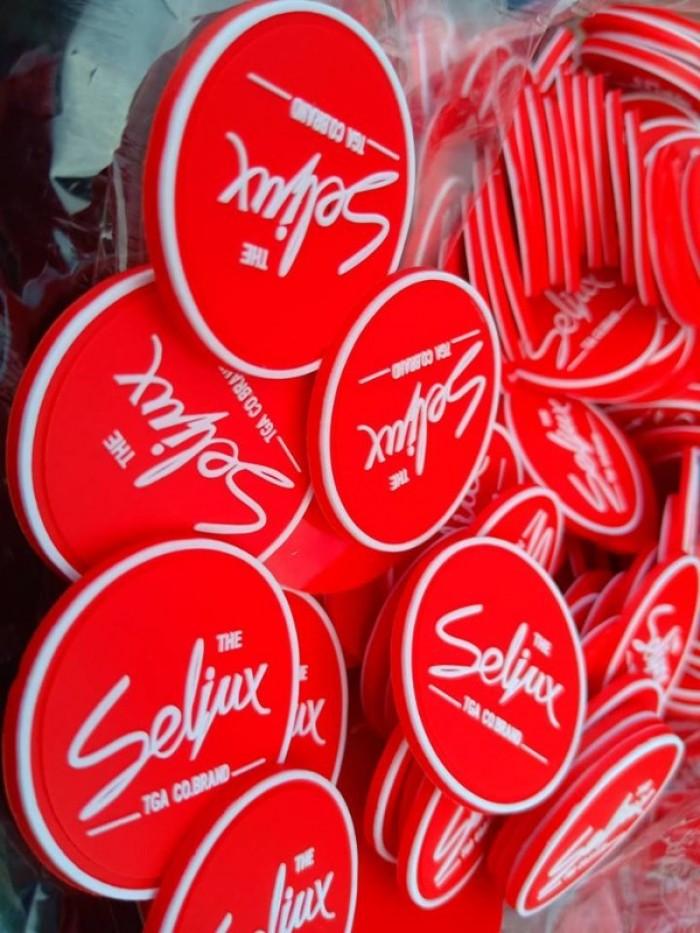 Sản xuất các loại logo nhựa, pvc, rubber dập chữ nổi2