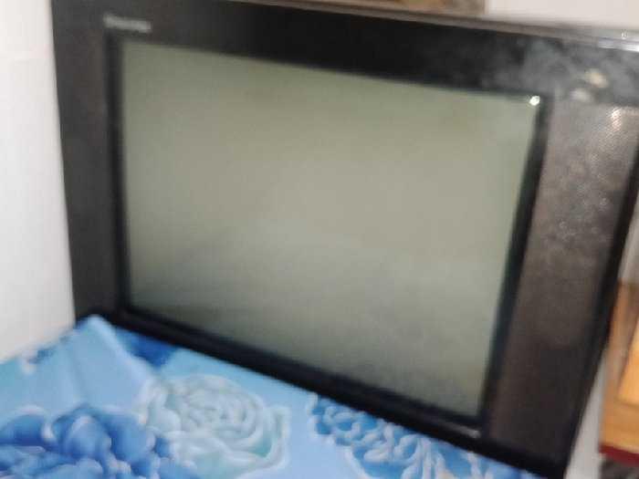 Cần bán Ti-Vi + đầu Ti-Vi box giá 800k1