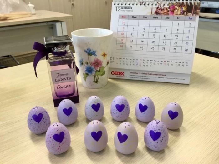 Trứng đổi màu1