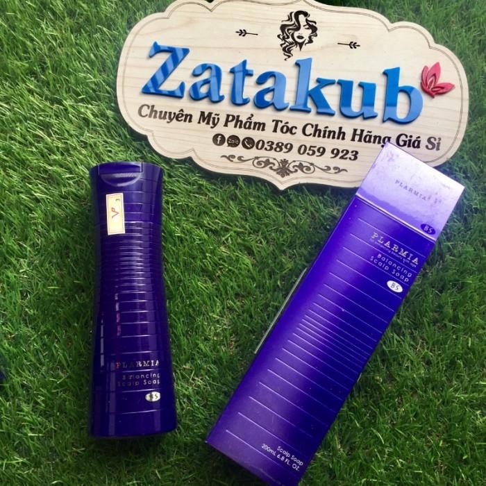 Dầu gội trị rụng và cân bằng da đầu Milbon Plarmia Balancing Scalp Soap 200ml  Thông tin sản phẩm:  Dầu gội làm sạch nhẹ nhàng, giữ lại độ ẩm cho da đầu   [Thành phần đặc trưng] Piroctone Olamine (Ngăn ngừa gàu, ngứa) Moisture Skin Wash (Thành phần làm sạch nhẹ nhàng)  Xuất xứ: Nhật Bản  Thể tích: 200ml NKPP: Công ty TNHH TM& vận tải Vy Phương  LIÊN HỆ: 0389.059.923 (Zalo-FB) ------------------------------------  ✅ Cam kết 100% hàng chính hãng  ✅ Giao hàng toàn quốc  ✅ Thanh toán khi nhận được hàng.6