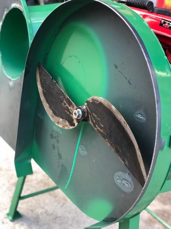 Máy thái chuối, cỏ voi, ngô siêu mịn chạy bằng xăng, động cơ 2 thì3