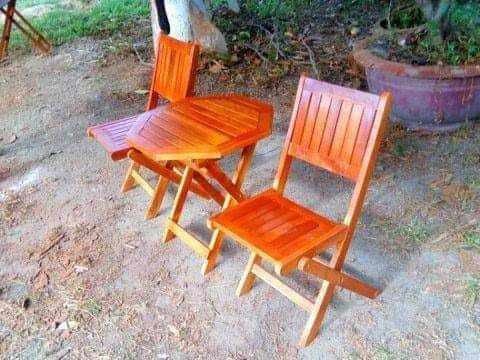 Thanh lý bộ bàn ghế xếp gỗ giá rẻ.1