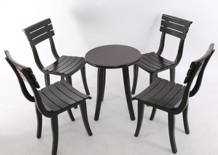 Ghế gỗ nan tựa sắt giá tại xưỡng sản xuất2