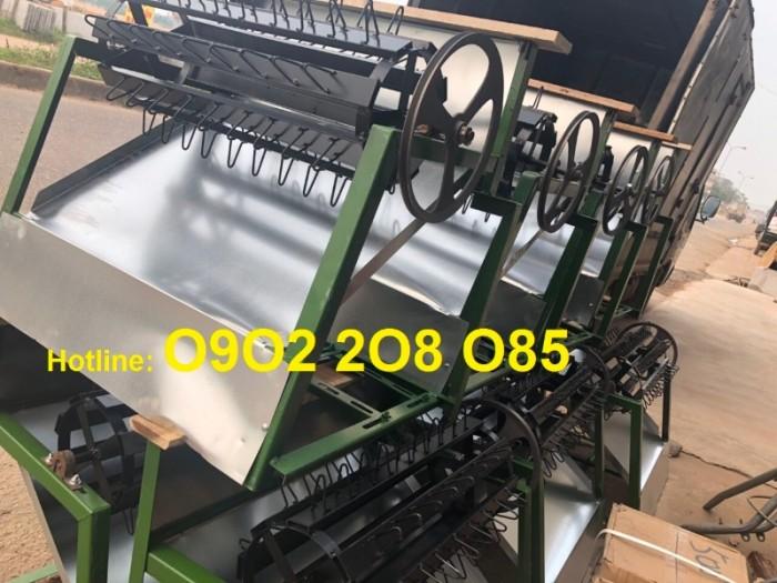 Nơi bán Máy tuốt lúa mini khung sắt lắp động cơ xăng LNP2020 rẻ2