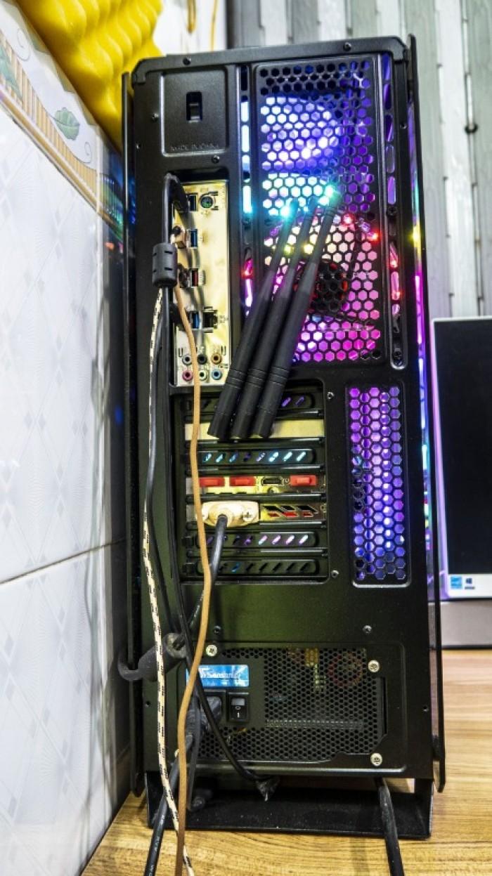 Cần bán thùng CPU I7 7800X RAM16, VGA 6GB, Máy mạnh dựng Phim 4K9