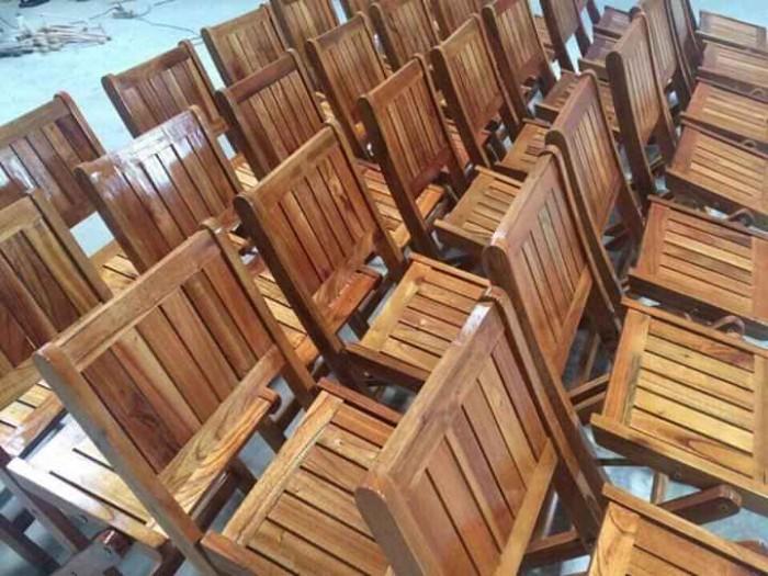 Bàn ghế xếp gỗ thanh lý..3
