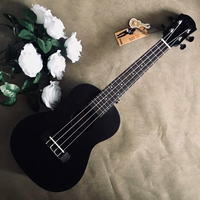 #Infor: • Size: Concert 23' (58 cm). • Chất liệu:  + Lưng và hông: gỗ Sapele. + Mặt đàn:gỗ Sapele. • Đánh giá âm thanh: Tốt. • Thích hợp dùng tập chơi và cả dùng chơi lâu dài. • Bảo hành: 2 năm4