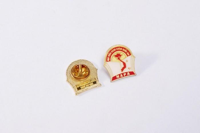 Chuyên sản xuất huy hiệu cài áo in ấn logo thương hiệu5