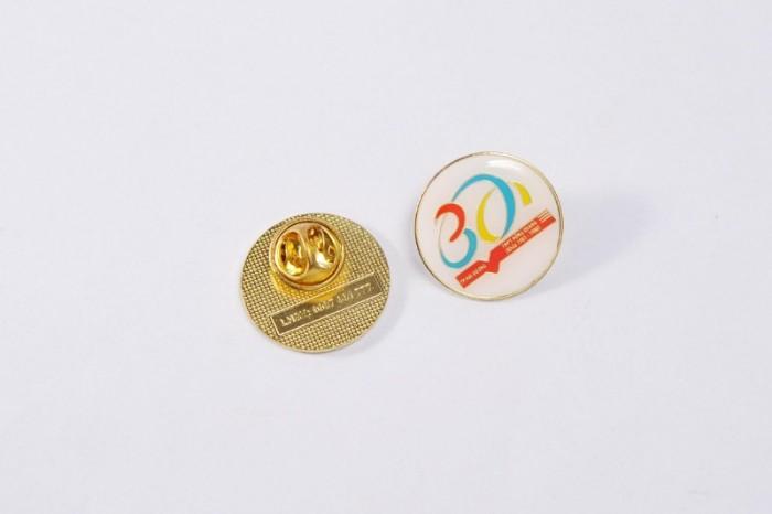 Chuyên sản xuất huy hiệu cài áo in ấn logo thương hiệu10