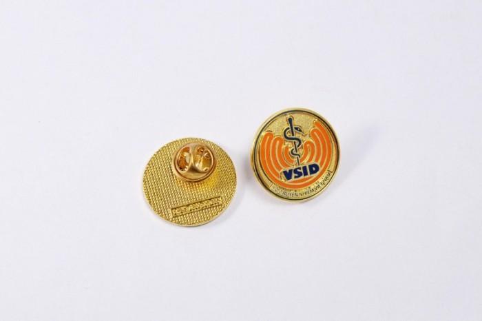 Chuyên sản xuất huy hiệu cài áo in ấn logo thương hiệu17