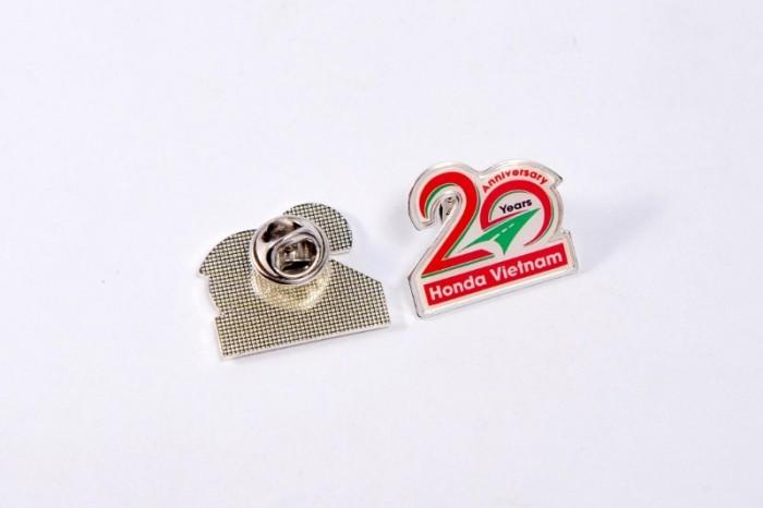 Chuyên sản xuất huy hiệu cài áo in ấn logo thương hiệu23