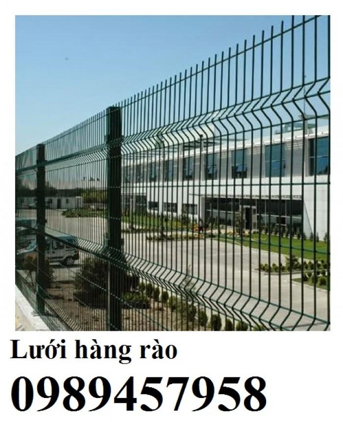 Sản xuất hàng rào uốn sóng trên thân, hàng rào lượn 2 sóng, hàng rào thép hộp2
