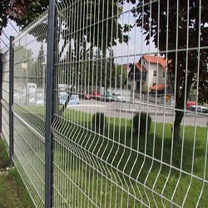 Sản xuất hàng rào uốn sóng trên thân, hàng rào lượn 2 sóng, hàng rào thép hộp3