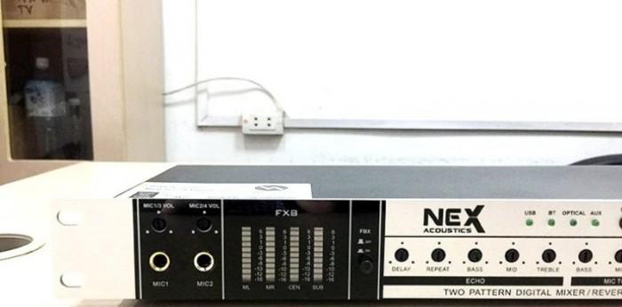 VANG CƠ NEX FX8 II Chức năng chống hú ( feedback ) với công nghệ dịch tần số làm giảm sự hú rít cho Micro mà không làm thay đổi âm thanh. 3