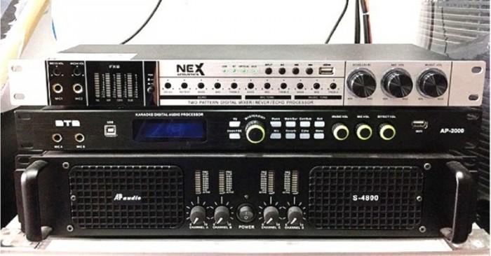 VANG CƠ NEX FX8 II thiết kế Dàn đèn 4 LED đứng hiển thị cường độ âm thanh Stereo, Center, Sub.4