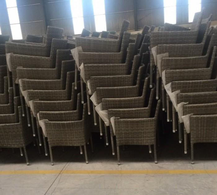 Công ty cần bán gấp số lượng lớn bàn ghế dùng cho quán cafe, giá rẻ1