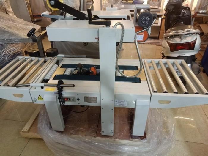 Máy dán băng keo thùng carton, máy dán băng keo thùng hàng hóa, máy dán băng keo thùng tự động2