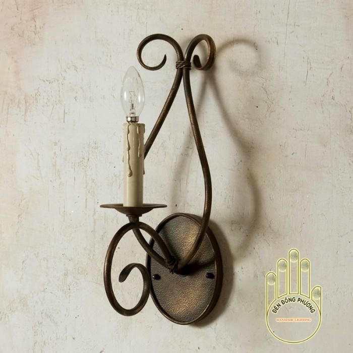 Đèn trường trang trí Châu Âu  chất liệu: Thép chuyên dụng Màu sắc: Đồng cổ, đen, trắng, xanh cổ vịt... Đèn 1 tầng gồm 1 nến 0