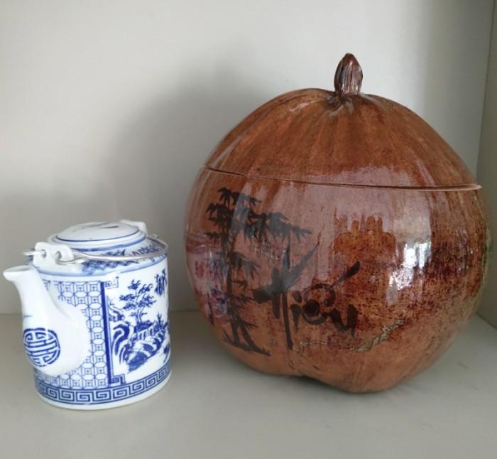 Combo Vỏ + bình trà trái dừa hoa văn chữ: An-Tâm-Nhẫn-Phát-Hiếu1
