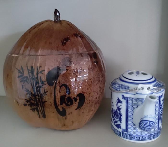 Combo Vỏ + bình trà trái dừa hoa văn chữ: An-Tâm-Nhẫn-Phát-Hiếu4
