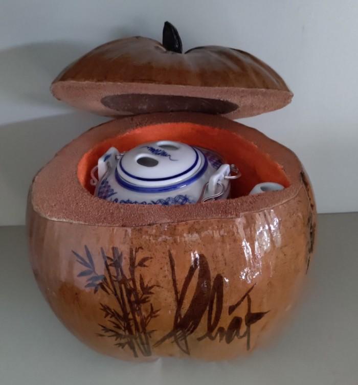 Combo Vỏ + bình trà trái dừa hoa văn chữ: An-Tâm-Nhẫn-Phát-Hiếu6