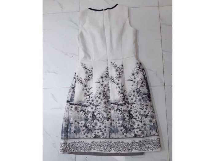 Sale váy1