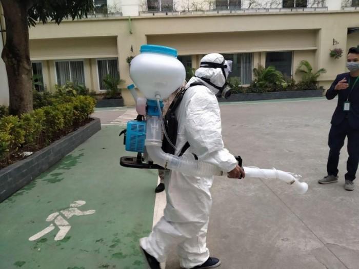 Máy phun thuốc khử khuẩn tại các trường học1