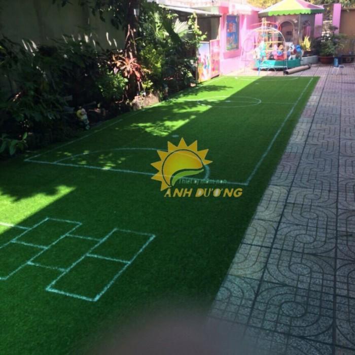 Chuyên bán thảm cỏ nhân tạo cao cấp cho trường mầm non, sân chơi trẻ em, sân bóng đá16